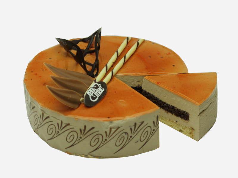 Połączenie jasnego i ciemnego biszkoptu ze śmietaną o smaku irlandzkiej kawy z kawałkami czekolady i dodatkiem spirytusu. Dekoracja żelem i ozdobami czekoladowymi.