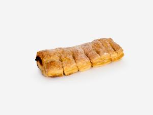 Chrupiące i listkujące ciasto francuskie o ksztacie przypominającym grzebień, nadziewane marmoladą wieloowocową, wykończone cukrem.