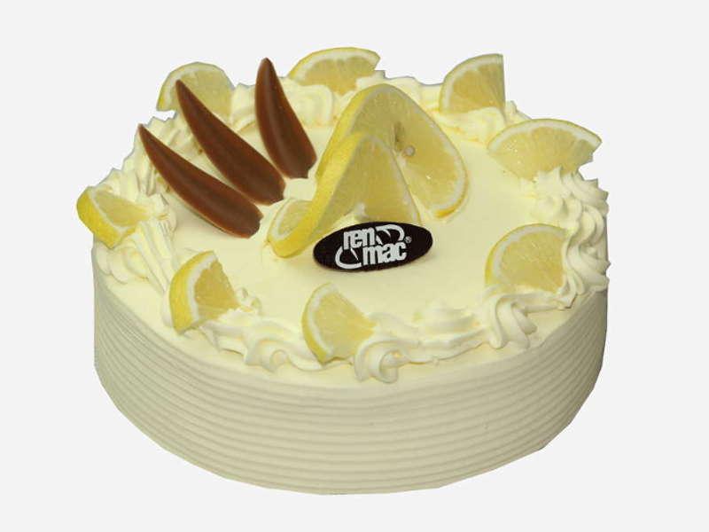 Połączenie jasnego, delikatnego biszkoptu i cytrynowej śmietany Dekoracja kawałkami cytryny i ozdobami czekoladowymi.